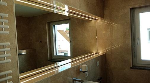 LED Spiegelbeleuchtung im Badezimmer